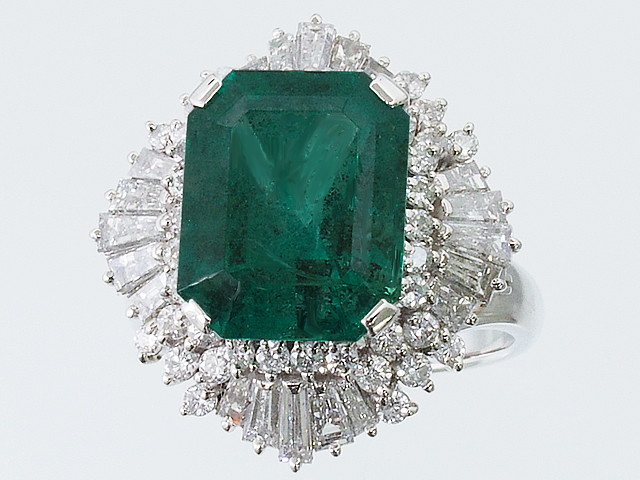 美しい宝石 エメラルドリング ダイヤモンドリング Pt900 プラチナ エメラルドカット 17号強【ロイヤルブルー】【送料無料】