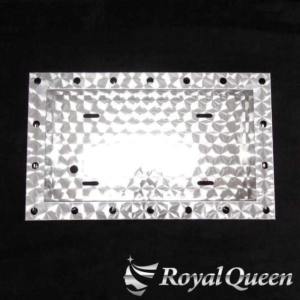 セール♪【】【大型車用 パイロットランプ ナンバーフレーム ウロコ柄 ※パイロットランプ無し】トラック デコトラ パーツ トラック用品 ステンレス RoyalQueen:Royal Queen