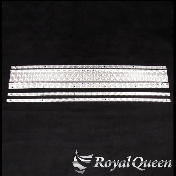 オリジナル商品 送料無料 泥除けステー ワイド ウエイト 990mm ウロコ柄 裏板付き RoyalQueen トラック用品 デコトラ パーツ [並行輸入品] ステンレス 海外限定 トラック Quon