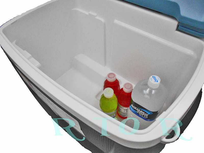 IGLOO 62qt MAX COLD 58L (62 QT) trundle cooler box / wheels / igloo
