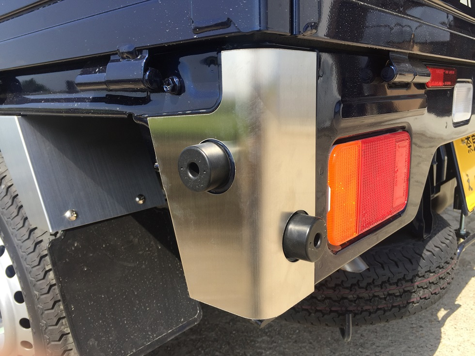 DA16T用 スズキ キャリイ標準車 リアコーナーカバー(ステンレスヘアライン)