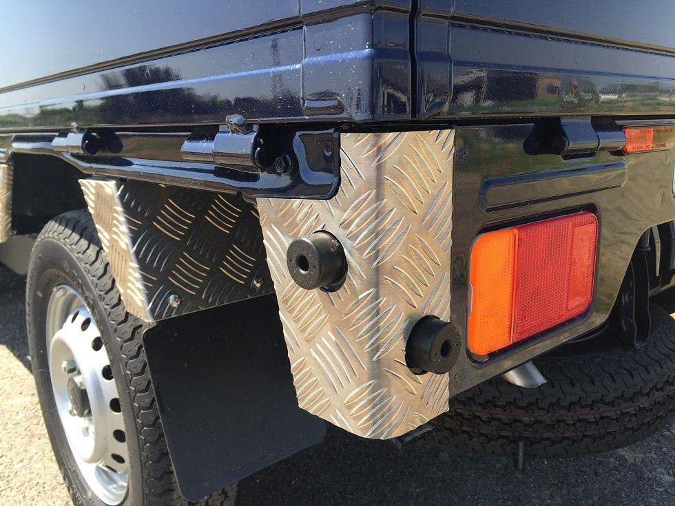 DA16T用 スズキ スーパーキャリイ リアコーナーカバー アルミ縞板