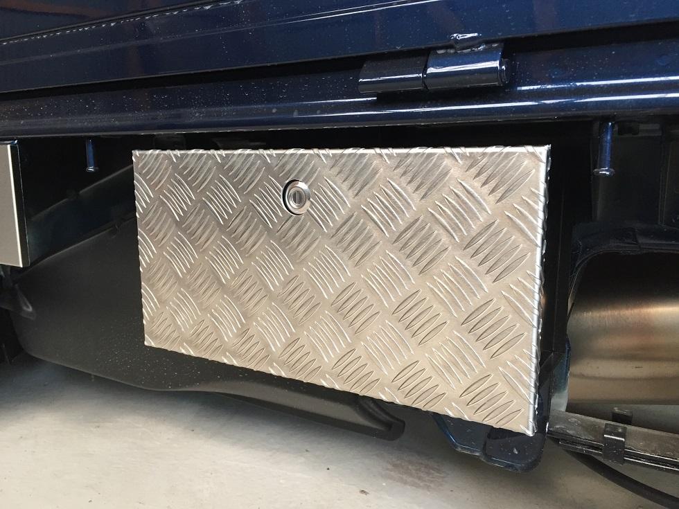 DA16T用 スズキ キャリイ標準車 道具箱カバー アルミ縞板