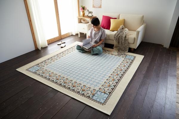 洗える 1.5畳 130×185 ジャガード織 じゅうたん 北欧 風 モロッコ調 ホットカーペットカバー対応 滑り止め付き ラグカーペット 約130×185