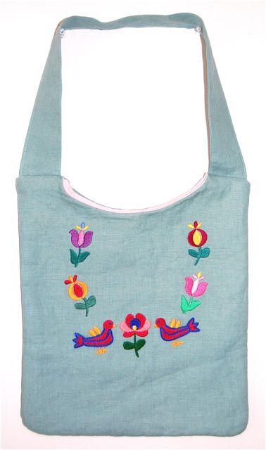 民族衣装を着るバッグBahar「ハンガリー刺繍柄バッグ」color:ライトブルー