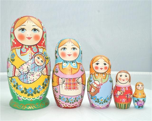 セルギエフ・ポサード マトリョーシカマムカ 赤ちゃんを抱く家族赤頭巾 イヴァンツォヴァ作 5個組 16cm【マトリョーシカ】