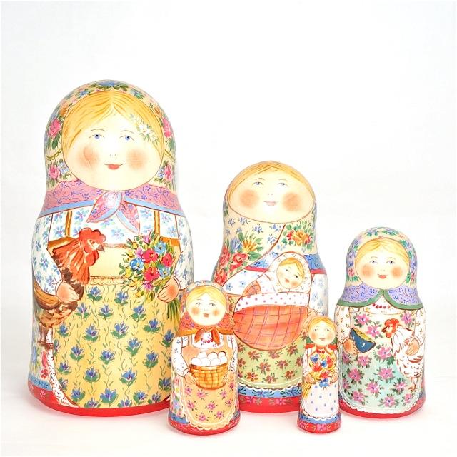 ダノワ作品「幸せ家族 赤ちゃんを抱く」18cm 5個組作家 ナタリヤ・ダノワ 再入荷不可【マトリョーシカ】