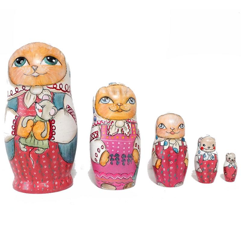 ロシア 作家 縁起物 ネコのマトリョーシカ おトク 猫 高級 1点もの 贈り物 薔薇色のドレスを着た茶トラねこネズミのぬいぐるみを抱く12cm ミューラシュカシリーズ マトリョーシカ おもちゃを持つ子猫 舗 コブロフ工房Matryoshkaシリーズ セルゲイ Cutie 5個組