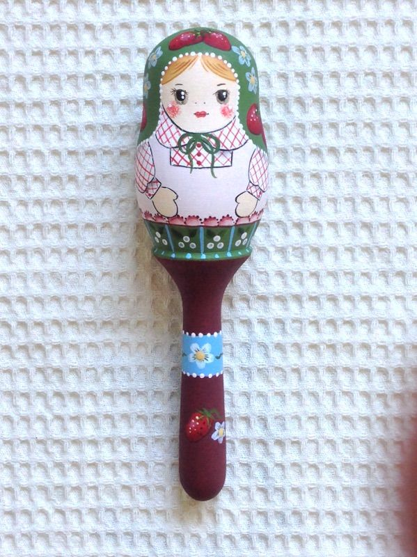 Little Lotte マトリョーシカ「イチゴ柄スカーフのガラガラ」16センチ【マトリョーシカ】