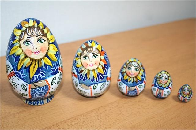 カーチャさんの手作りマトリョーシカ「ひまわり少女」(1点限定)たまご型5個組 11.5cm