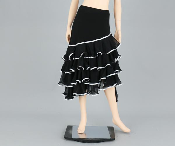 社交ダンス/社交ダンス衣装/衣装/スカート/ウェア/ダンスウェア/フリーサイズ/黒 パイピング/シルバー