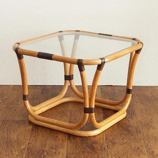 ラタンガラステーブル カフェで過ごすようなおしゃれなコーヒーテーブル 籐製で軽いので移動が楽々 天板ガラスで清涼感があります コンパクトで場所をとらない机 創業100年 籐家具専門メーカーの技術 ハンドメイド T200CB