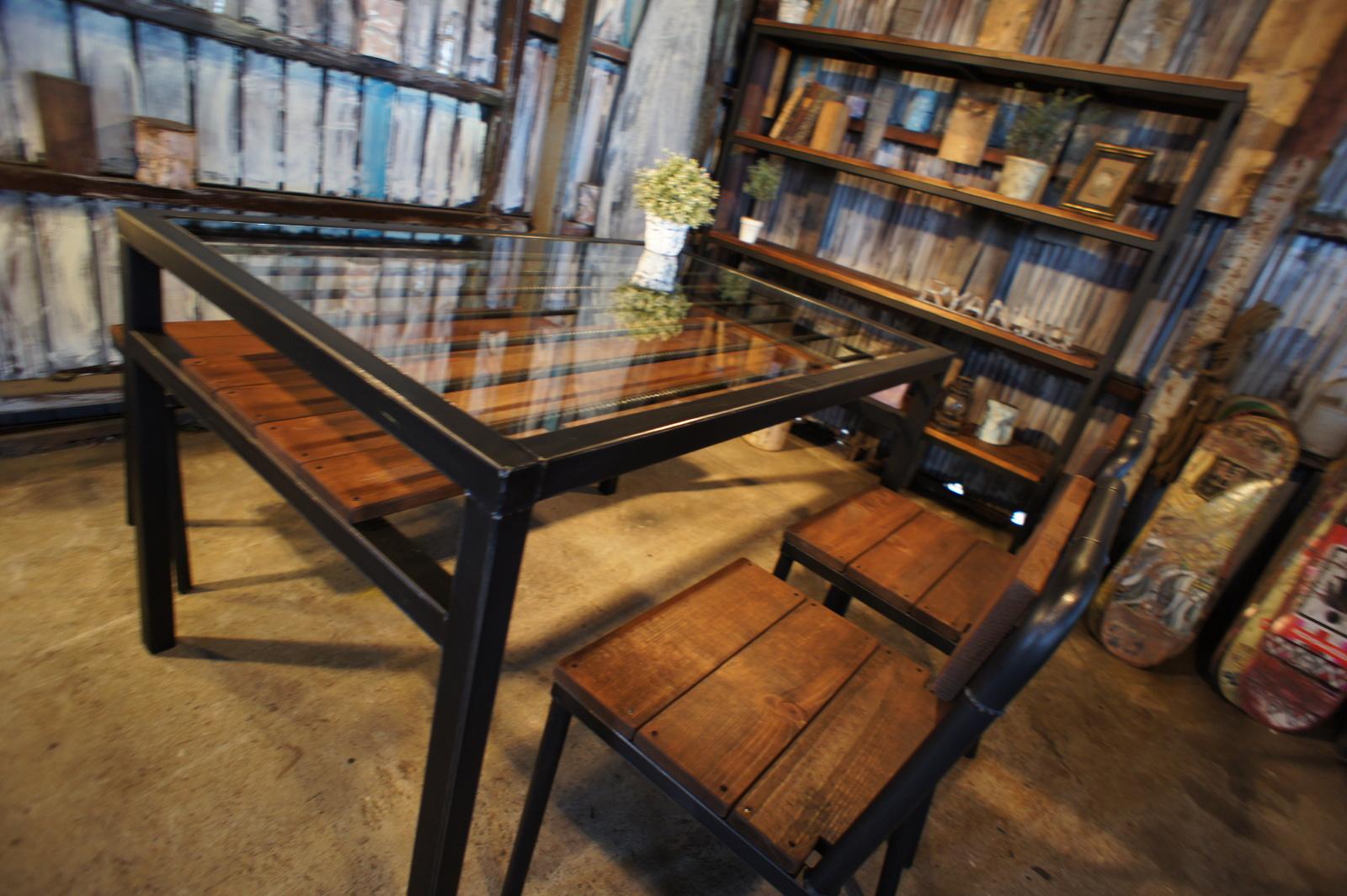 アイアン&ウッド 4人掛け ガラスダイニングテーブル   W1200 C=チョコブラウン