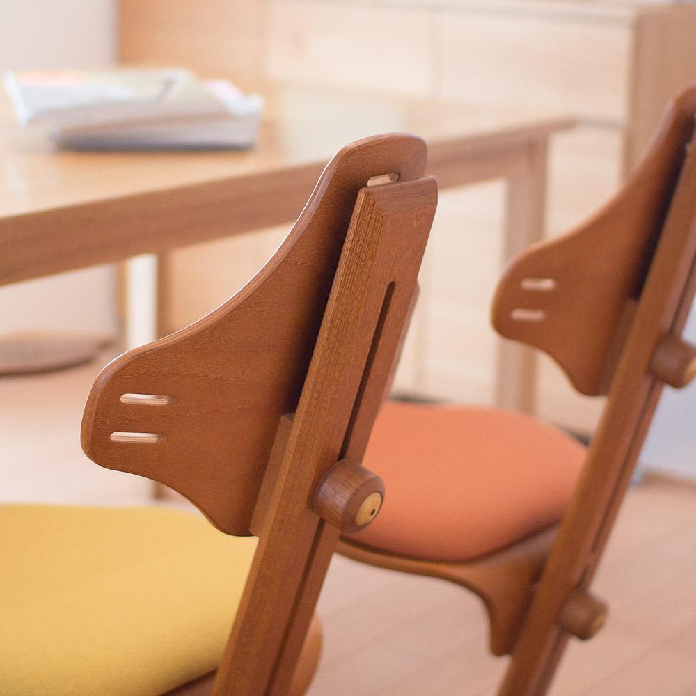 【送料無料】【組立発送】リボ社 フレキシットチェア ・ベーシック チーク色 + ウールシート 選べるシートカラー ダイニングチェア ダイニング用 食卓用 パソコンチェア 北欧 高さ 調整 食事 木製チェア ハイチェア 前傾椅子