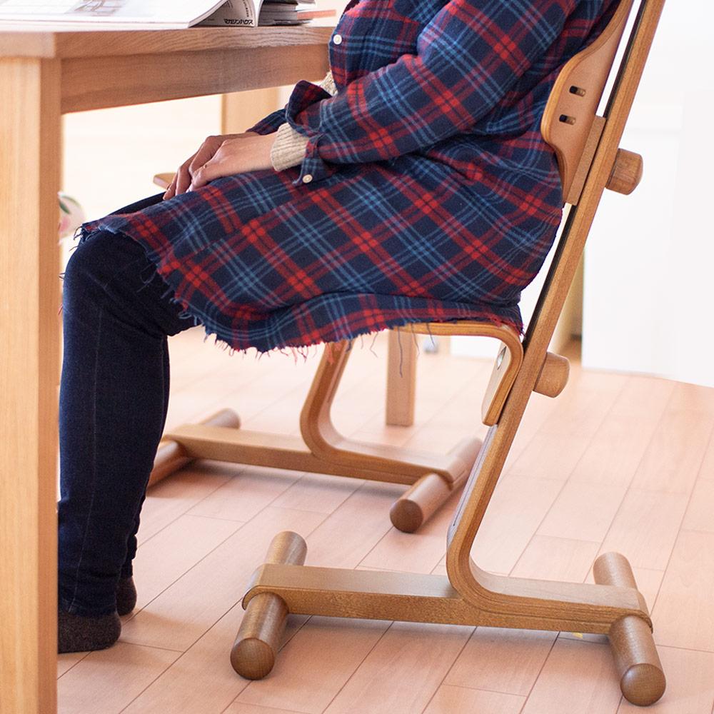 【10%OFF+P2倍】【組立発送】リボ社 フレキシットチェア・ベーシック ダイニングチェア ダイニング用 食卓用 テーブルチェア 北欧 高さ 調整 食事 木製チェア ハイチェア 前傾椅子