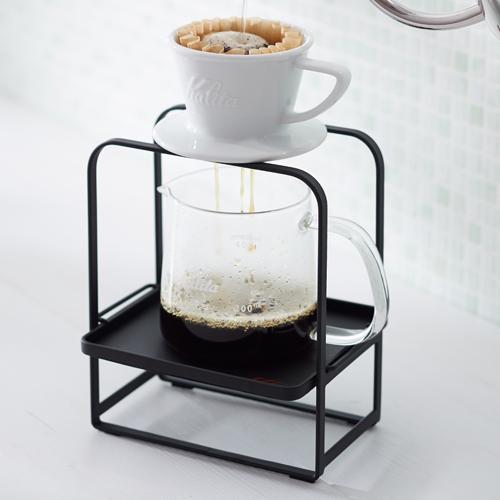 カリタハンドドリップドリッパースタンド 最新 コーヒーの抽出を演出するドリッパースタンド トレイはサーバーに合わせて高さの切替えができます JAN:4901369440727 44072 ドリッパースタンド Kalita カリタ 評判