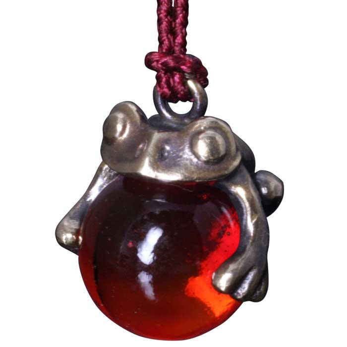 蛙 チャーム / 龍頭 蛙玉 根付 真鍮 Red Glass ストラップ 蛙 カエル シルバー メンズ レディース 男性用 女性用 和柄 和風 ペア ビー玉 ハンドメイド ギフト プレゼント レッド 赤色 おしゃれ