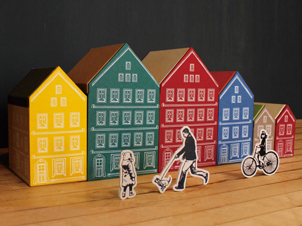 Small HOUSE PAPER STORAGE COMPANY / TRAVEL (travel House)