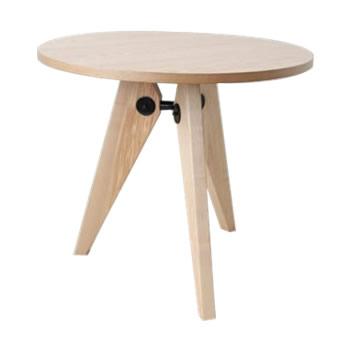 《三角形の脚が天板を支え、安定感のあるテーブル》ジャン・プルーヴェ ダイニングテーブル ゲリドンRT-703ナチュラル