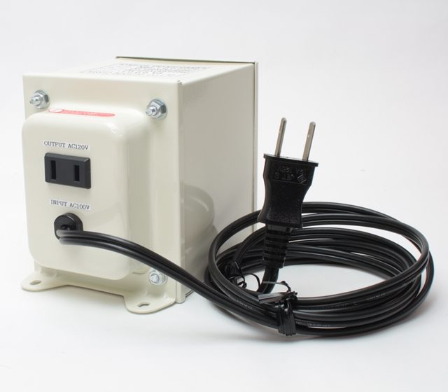 【変圧器】【日本国内用】 日章工業 アップトランス 定格容量1000W 変換電圧100V→110V/120V/127V NDF-1000UPU