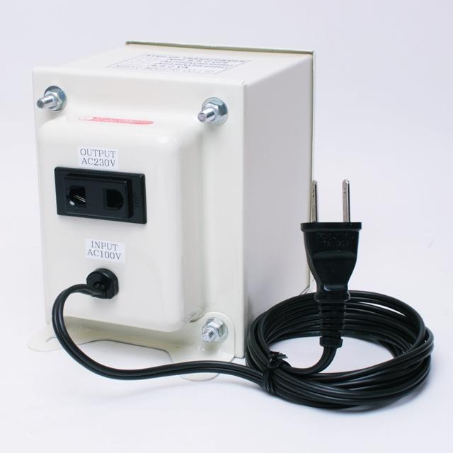 【変圧器】【日本国内用】 日章工業 アップトランス 定格容量550W 変換電圧100V→220V/230V/240V NDF-550UPE