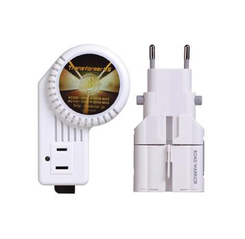 開催中 日本の製品を海外で使用するための変圧器 全世界対応 注文後の変更キャンセル返品 定格容量:120V時80W 220V~240V時45W 在庫処分特価 海外用変圧器 マルチプラグセット 定格容量120V時80W デバイスネット RW-97 ダウントランス