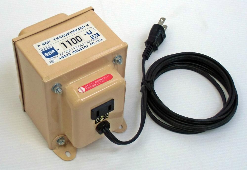 ステップダウントランス 東京興電 TB-1500 【変圧器】 定格容量1500W 海外用変圧器 【海外用】 変換電圧120V→100V