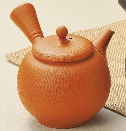 急須 常滑焼 修三作 朱泥飛鉋 陶製茶こし 210cc G-63| きゅうす おしゃれ 日本製 常滑 常滑市 愛知県 愛知 深蒸し茶 茶 お茶 キッチン雑貨 焼き物 陶器 陶磁器 日本六古窯 陶製 ティーポット ギフト プレゼント とこなめやき 茶器 食器 和食器