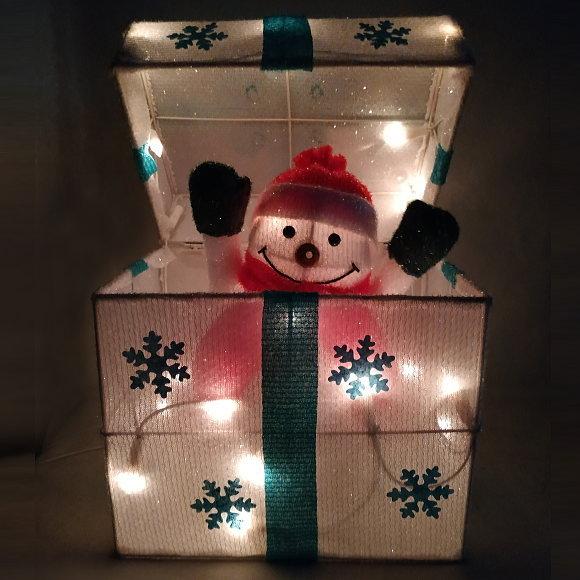 新製品!光るサプライズプレゼントボックス スノーマン(9708SN かわいい 店舗 装飾 電飾 ディスプレイ 飾り)