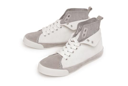 高切运动鞋 suffrajet Coochie1 [Zafra 射流沙发 1