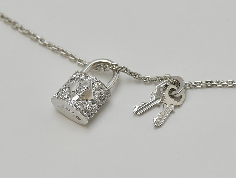 LOUIS VUITTON ルイ ヴィトン ダイヤモンド ネックレス Au750 WG 10,5g 新品仕上げ済 メーカー仕上げ済 【中古】