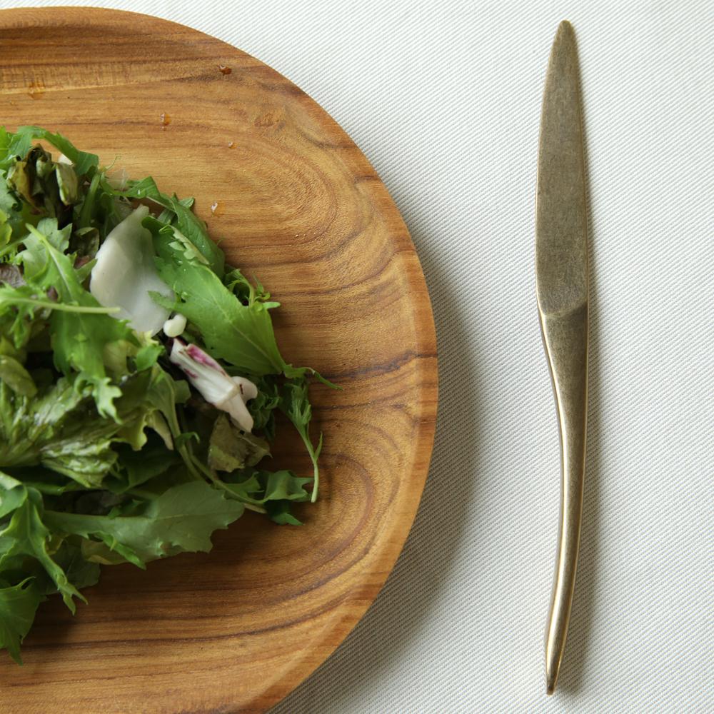 永い時間を経てきたような味のあるデザイン。 ヴィンテージ風 カトラリー アンティーク ゴールド 懐 KAI デザートナイフ(テーブルナイフ)【メール便選択可】