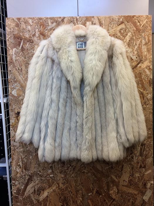 SAGA FOX サガフォックス 毛皮 コート オフホワイト 表記サイズ:13号 【美品】【レディース】【Apparel】