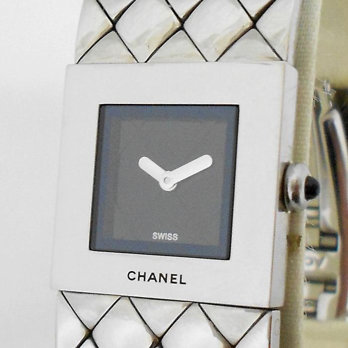 【中古】CHANEL レディース腕時計 マトラッセ 黒文字盤 クオーツ SS H0009