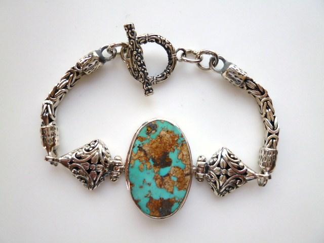 【送料無料】《トルコ石好き必見》非常に貴重な大きめ古い昔のトルコ石の銀細工ブレスレット
