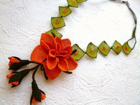 """【最終在庫】《可愛くナチュラル》トルコ伝統手芸""""オヤ""""刺繍の大きな花のネックレス:グリーンxオレンジ"""