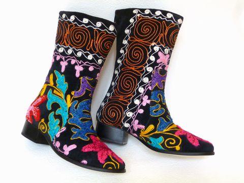 《待望の新入荷!!》可愛い刺繍がお薦め【エスニックでフォークロア!!】トルコ製ウズベキスタンのスザニを使ったブーツ:37号(日本サイズ23.5)【P08Apr16】