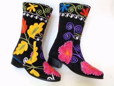 《待望の新入荷!!》可愛い刺繍がお薦め【エスニックでフォークロア!!】トルコ製ウズベキスタンのスザニを使ったブーツ:38号(日本サイズ24)【P08Apr16】