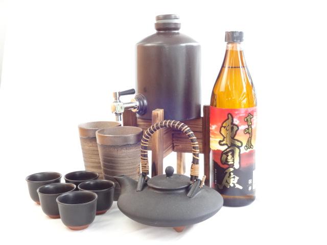 豪華酒器セットA7(焼酎サーバー、黒千代香、備前金彩ペアグラス、芋焼酎東国原(ひがしこくばる)900ml)