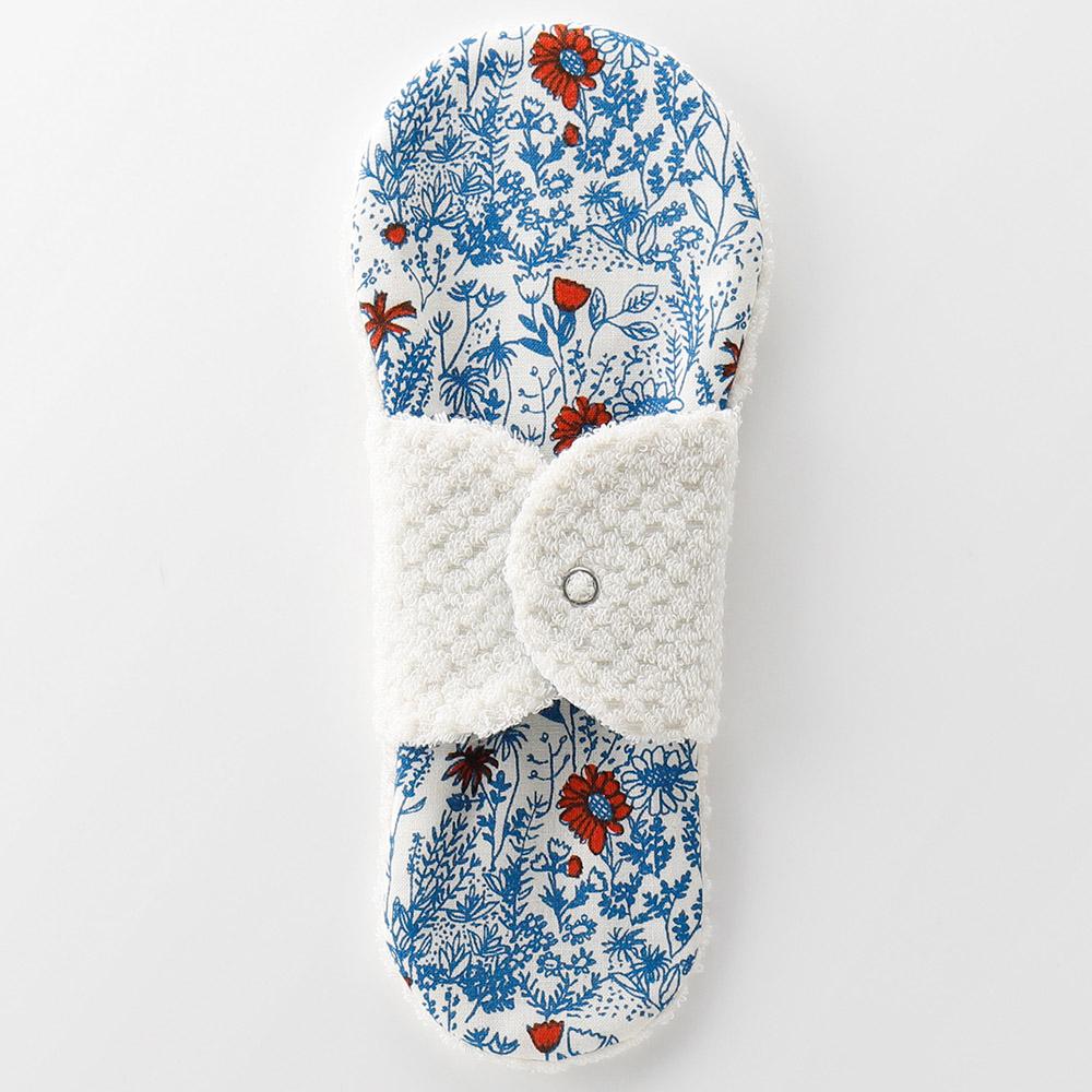 布ナプキン型 ヒエトリパット Silk《シルク オーガニック》 北欧フラワー ホワイト 1番人気のロングセラー 冷えとりライナー ランキングTOP10 肌に触れるタオルが 今治 タオル チープ ほわっとしてあたたかい