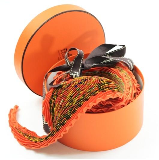 エルメス プリーツスカーフ 象小柄 シックなオレンジ系【美品!】