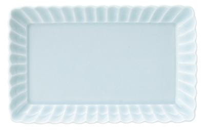 焼物皿 天皿 安い 激安 プチプラ 高品質 突出皿が 問屋価格で 21cm かすみ 青白 美濃焼 日本製 長角皿 シンプルなスクエアプレート 21.1x13.3x2.8cm 透き通る青 リムの飾り彫が美しい タイムセール
