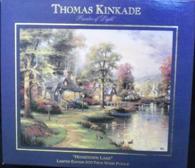500ピース 限定版木製ジグソーパズル トーマスキンケード ホームタウンレイク Thomas Kinkade Limited Edition Hometown Lake with Certificate Of Authenticity By Ceaco・お取寄