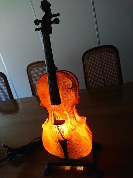ステンドランプ バイオリン