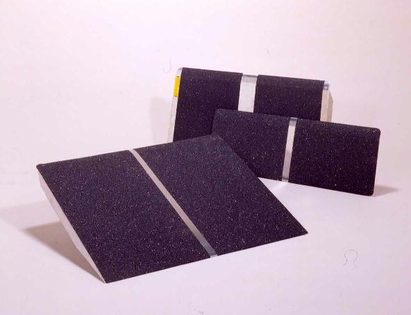 [イーストアイ] ポータブルスロープ アルミ1枚板タイプ PVT060(60cm)
