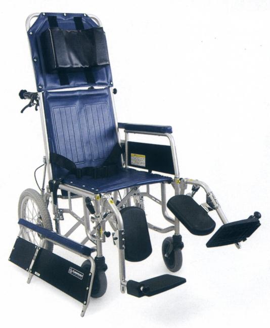 商品 リーズナブルなスチール製フルリクライニング車椅子 ストレッチャーとしても使用できます 法人宛送料無料 カワムラサイクル 贈答 フルリクライニング車椅子 RR43-N 介助式 脚部エレベーティングスイングアウト ベルト付 介助ブレーキなし 折りたたみ リーズナブル KAWAMURA