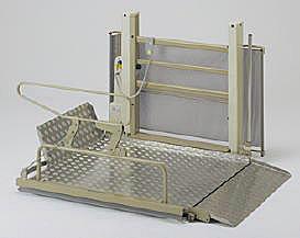 [いうら] 車椅子用電動昇降機 屋外用 UD-650 (昇降範囲6~82cm)