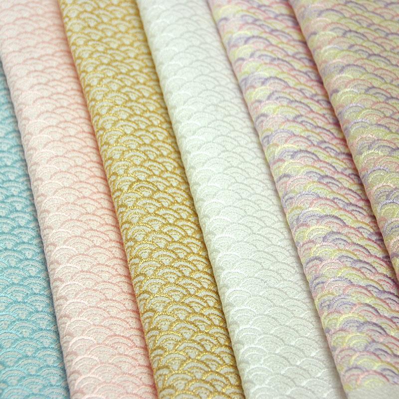 青海波 刺繍半衿 / ポリエステル縮緬 / 袷用 / 白地×ピンク / 半襟