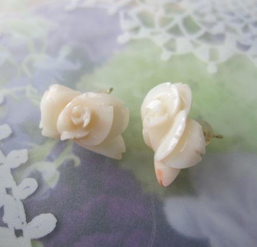 好評 淡いピンク珊瑚の薔薇の花ピアス/K18/天然さんご/『宝石サンゴ』, 勢多郡:1bd438d2 --- rishitms.com