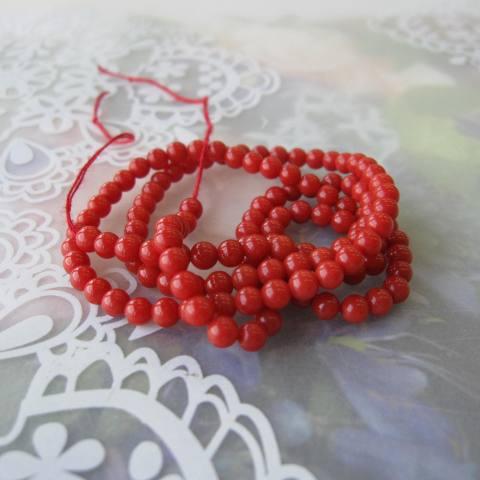 イタリア(地中海)産赤珊瑚のビーズ/約3.5ミリ/1連(約45センチ)/『宝石サンゴ』/ネックレス・ブレスレットに